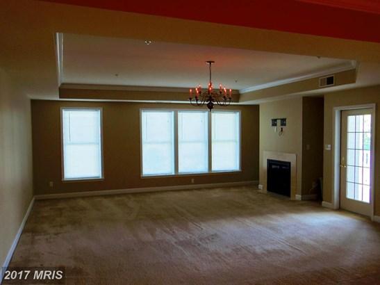 Garden 1-4 Floors, Contemporary - PERRYVILLE, MD (photo 3)