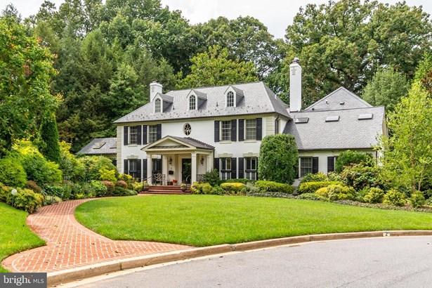 Detached, Single Family - CHEVY CHASE, MD