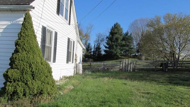 Bungalow/Cottage, Detached - Belspring, VA (photo 5)