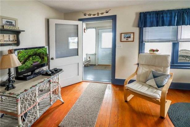 Cape Cod,Beach House,Bungalow, Single Family - Chincoteague, VA (photo 3)