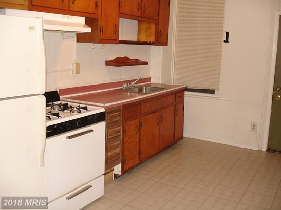 Colonial, Attach/Row Hse - BALTIMORE, MD (photo 2)