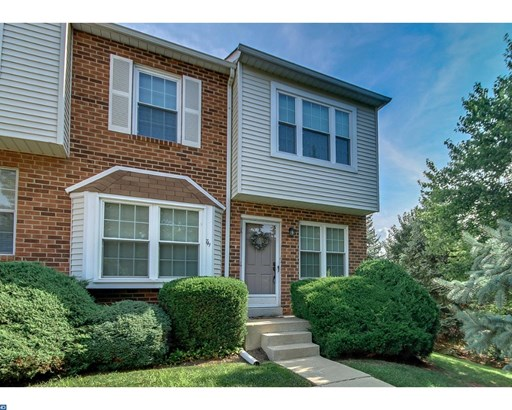 Row/Townhouse, Traditional,EndUnit/Row - NORRISTOWN, PA (photo 2)