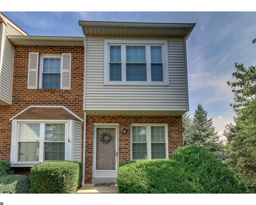 Row/Townhouse, Traditional,EndUnit/Row - NORRISTOWN, PA (photo 3)