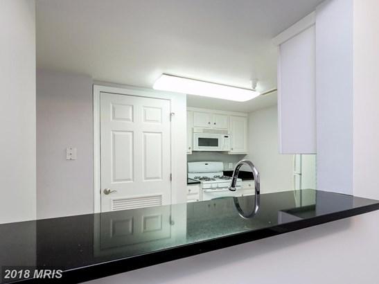 Hi-Rise 9+ Floors, Contemporary - NORTH BETHESDA, MD (photo 5)