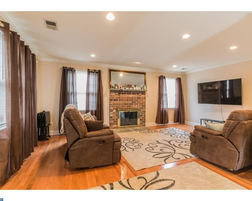 Row/Townhouse, Carriage House - NORRISTOWN, PA (photo 4)