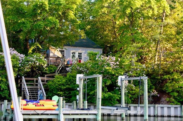 Cottage/Bungalow, Single Family - Deltaville, VA (photo 2)