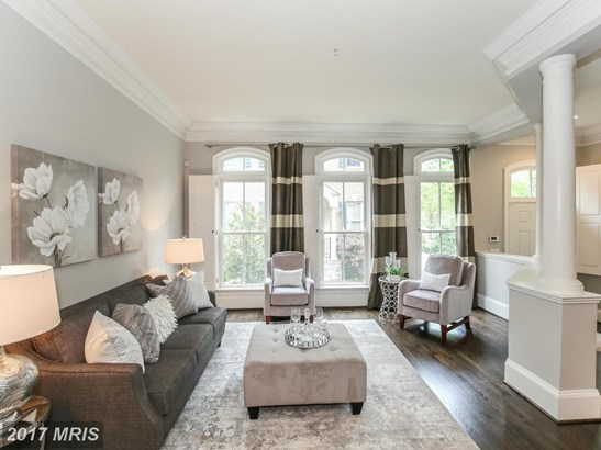 Transitional, Townhouse - BETHESDA, MD (photo 3)