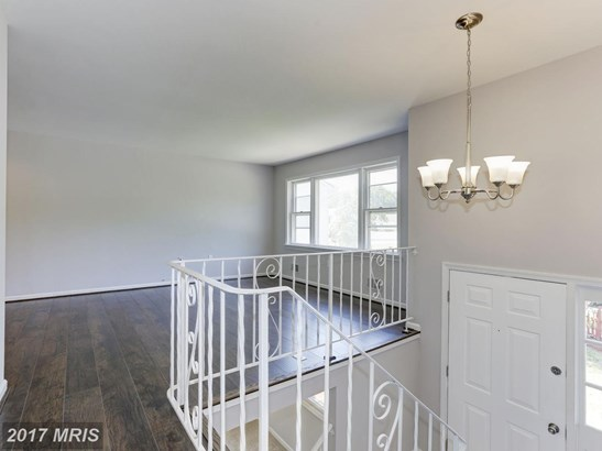 Split Foyer, Detached - SUITLAND, MD (photo 2)