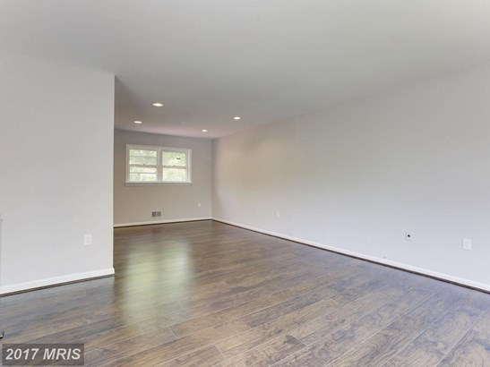 Split Foyer, Detached - SUITLAND, MD (photo 4)