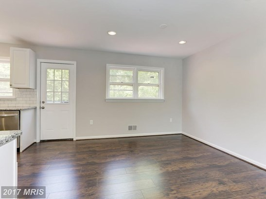 Split Foyer, Detached - SUITLAND, MD (photo 5)