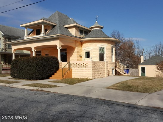 Arts & Crafts, Detached - HAGERSTOWN, MD (photo 1)
