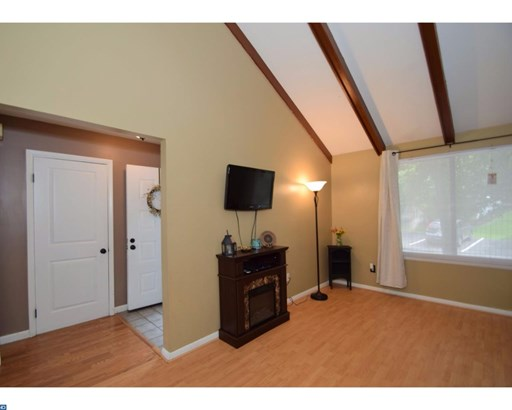 Row/Townhouse, Traditional - READING, PA (photo 4)
