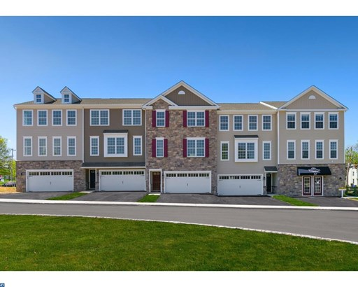 Row/Townhouse, Traditional - QUAKERTOWN, PA (photo 1)