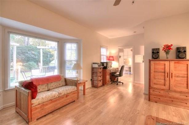 2-Story, Colonial, Transitional, Single Family - Newport News, VA (photo 5)
