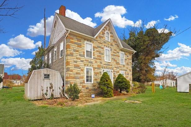 Colonial,Beach House,Fixer Upper, Single Family - Chincoteague, VA (photo 2)