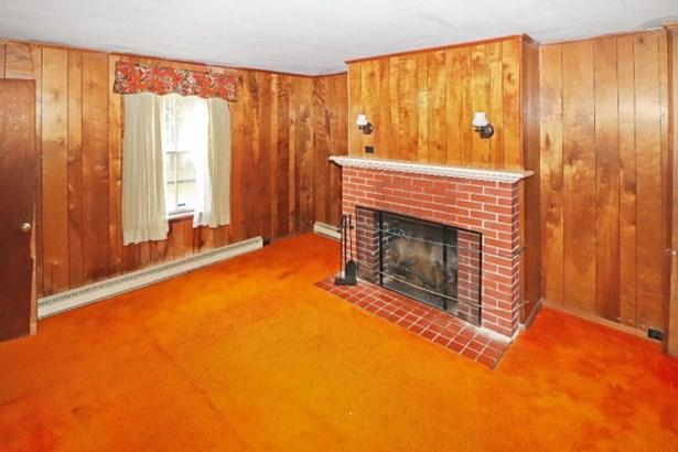 Colonial,Beach House,Fixer Upper, Single Family - Chincoteague, VA (photo 4)