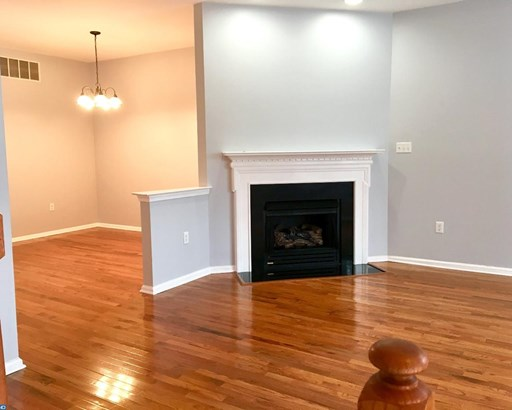 Colonial, Row/Townhouse/Cluster - ASTON, PA (photo 3)