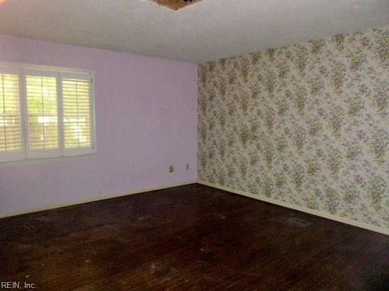 Ranch, Single Family - Newport News, VA (photo 5)