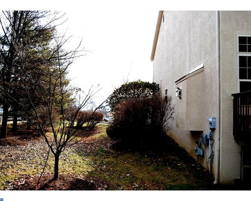 Row/Townhouse, Colonial,EndUnit/Row - HORSHAM, PA (photo 5)