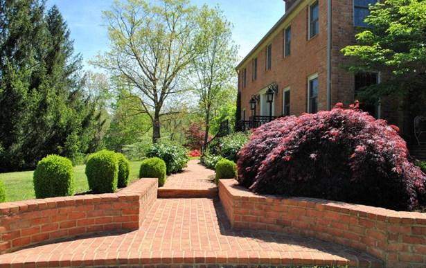 Residential, Colonial - Christiansburg, VA (photo 5)