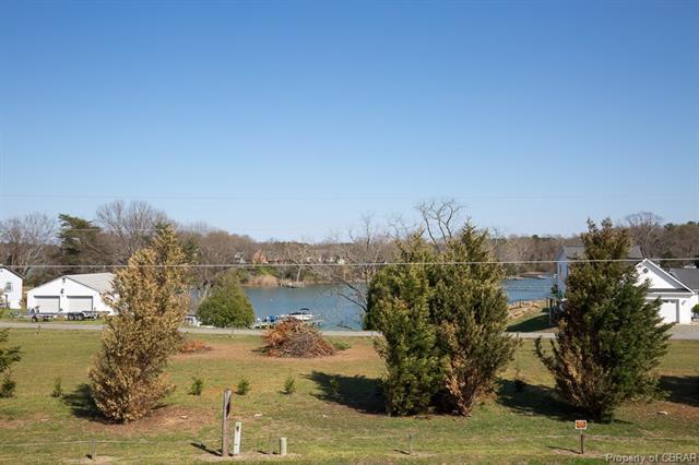 Condo/Townhouse, Rowhouse/Townhouse - Locust Hill, VA (photo 2)