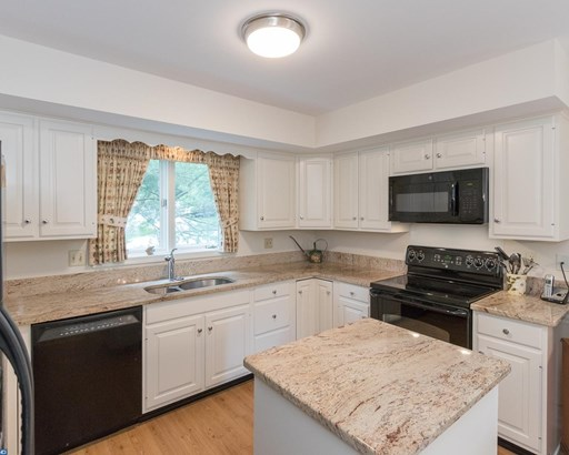 Row/Townhouse, Carriage House,EndUnit/Row - WEST CHESTER, PA (photo 2)