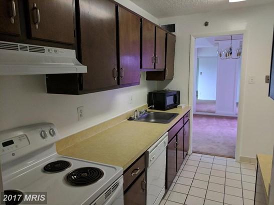 Hi-Rise 9+ Floors, Contemporary - HYATTSVILLE, MD (photo 5)