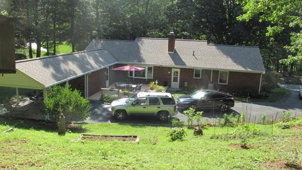 Ranch, Detached - Pearisburg, VA (photo 2)