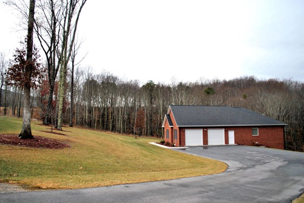 Residential, Ranch - Newport, VA (photo 5)