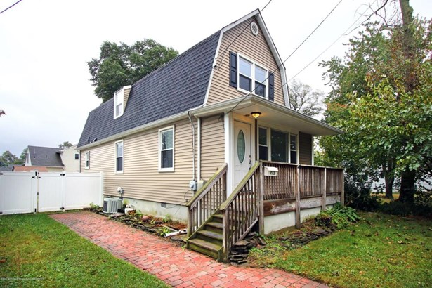 Colonial, Single Family - North Middletown, NJ (photo 2)
