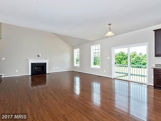 Colonial, Detached - WALKERSVILLE, MD (photo 4)