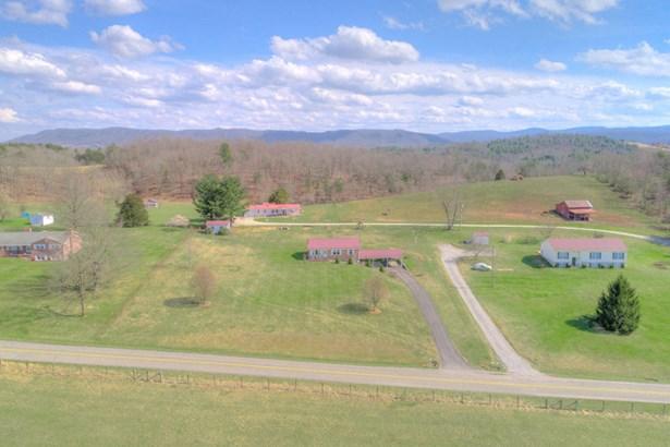 Residential, Ranch - Pulaski, VA (photo 2)
