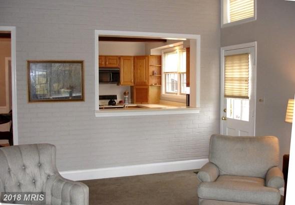 Split Foyer, Detached - BALTIMORE, MD (photo 4)