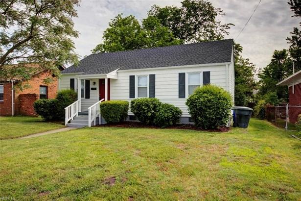 Bungalow, Colonial, Single Family - Newport News, VA (photo 1)