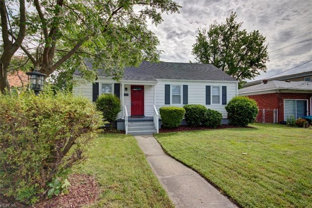 Bungalow, Colonial, Single Family - Newport News, VA (photo 2)