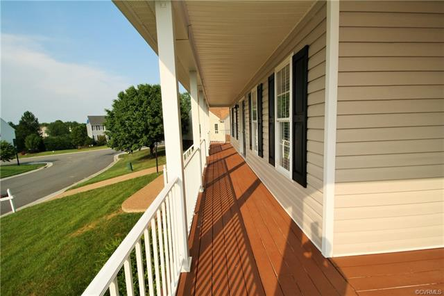 Transitional, Single Family - Mechanicsville, VA (photo 2)