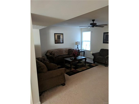 Townhouse, Residential Lease - Seaford, DE (photo 2)