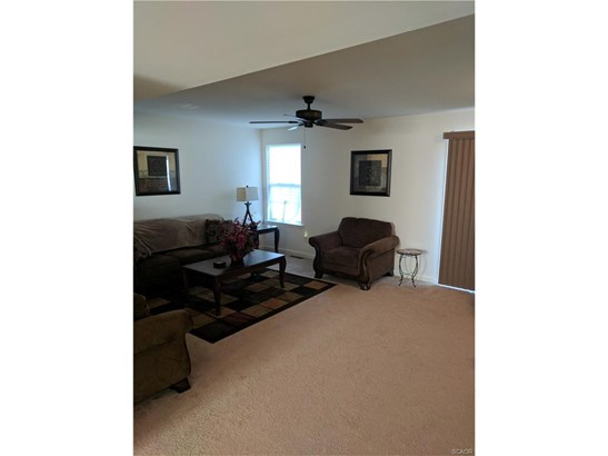 Townhouse, Residential Lease - Seaford, DE (photo 3)