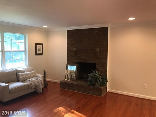Split Foyer, Detached - MILLERSVILLE, MD (photo 2)