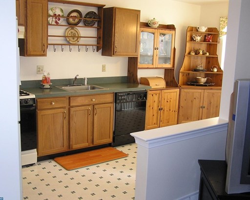 Row/Townhouse, Colonial - HARLEYSVILLE, PA (photo 2)