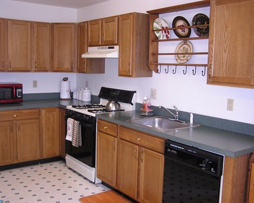 Row/Townhouse, Colonial - HARLEYSVILLE, PA (photo 5)