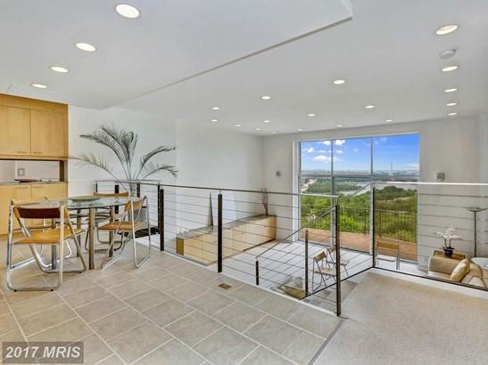 Hi-Rise 9+ Floors, Contemporary - ARLINGTON, VA (photo 2)