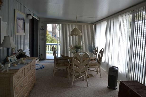 Park Model Mobile Home - Dennisville, NJ (photo 5)