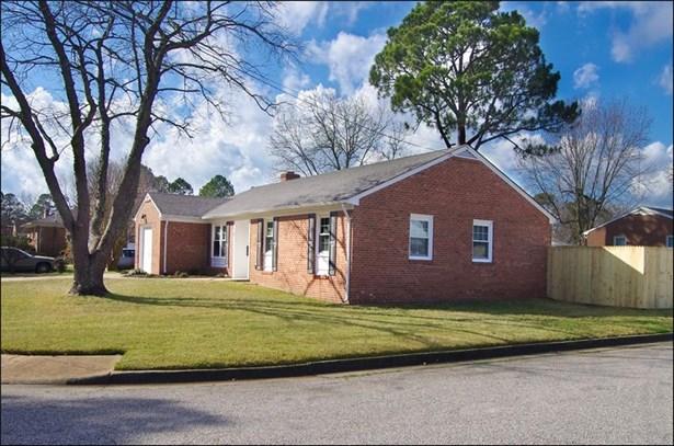 Ranch, Single Family - Hampton, VA (photo 2)
