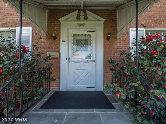 Colonial, Detached - HYATTSVILLE, MD (photo 2)