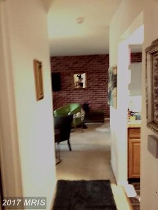 Garden 1-4 Floors, Contemporary - UPPER MARLBORO, MD (photo 5)