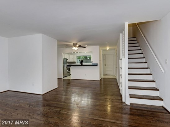 Semi-Detached, Colonial - CAPITOL HEIGHTS, MD (photo 3)