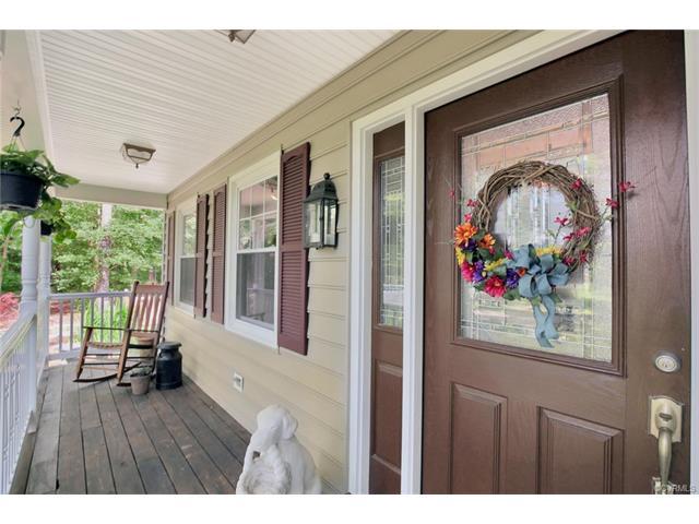 Colonial, Single Family - Chester, VA (photo 4)