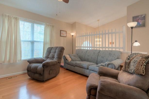 Residential, Split-Foyer - Dublin, VA (photo 3)