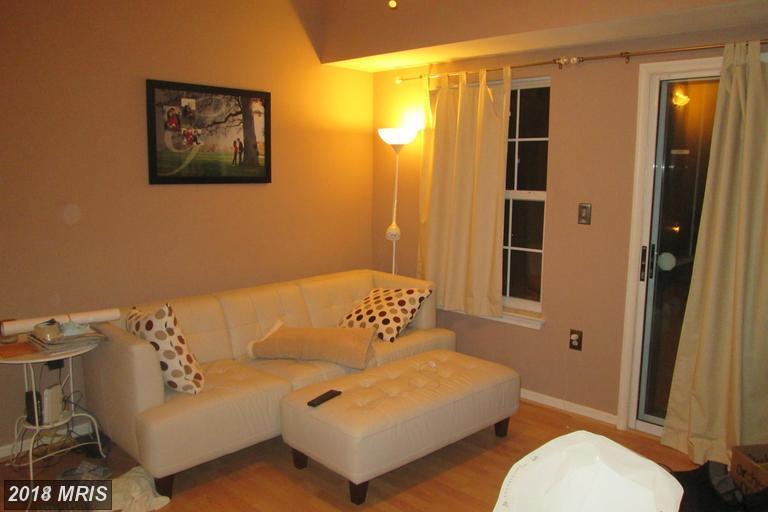 Garden 1-4 Floors, Contemporary - GREENBELT, MD (photo 2)